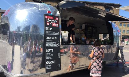 Air Stream as a mobile bar - that's handy!